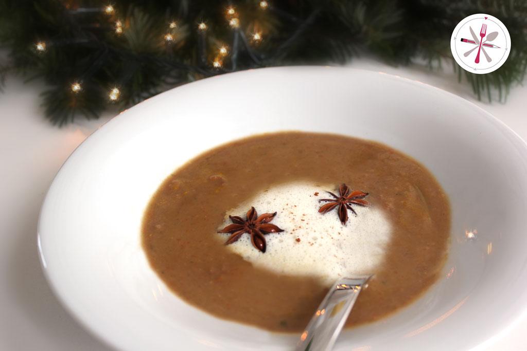 Maronen, Maronensuppe, Suppe, Sahne, Schaum, SChäumchen, Muskat, Zimt, Muskatschaum, Zimtschaum, Muskatzimtschaum, Petersilie, Karotten, weihnachtlich, Weihnachten, Xmas, Foodporn, Soulfood,