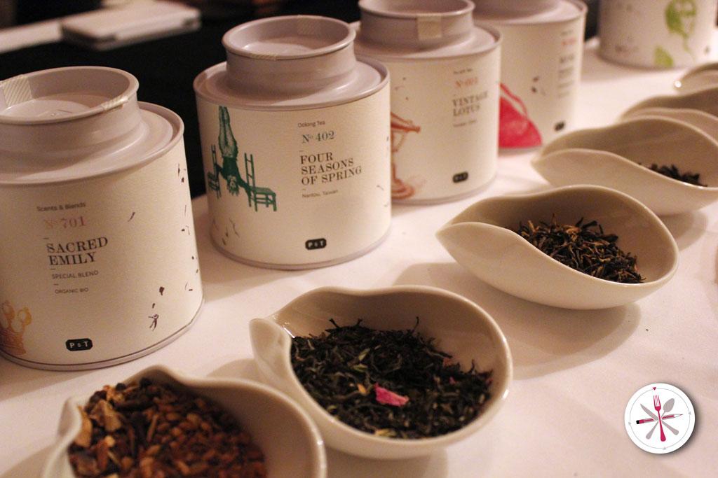 Paper and Tea: Teeverkostung bei Feinkostkäfer in München Bogenhausen. Verschiedene Teesorten.