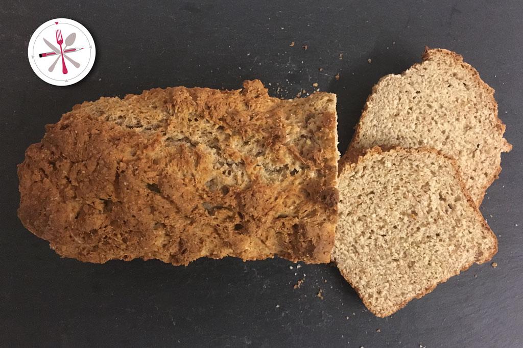 Brot, backen, Weizenmehl, Volkornmehl, Joghurt, Natron, Ei,
