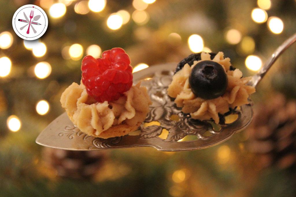Merry Blogmas Foodie Adventskalender Türchen 1 MAcarons mit Spekulatius und Oreo